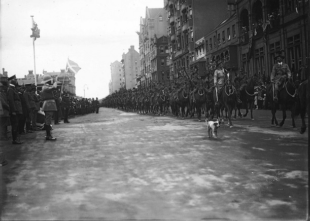 Australian troops marching through Sydney