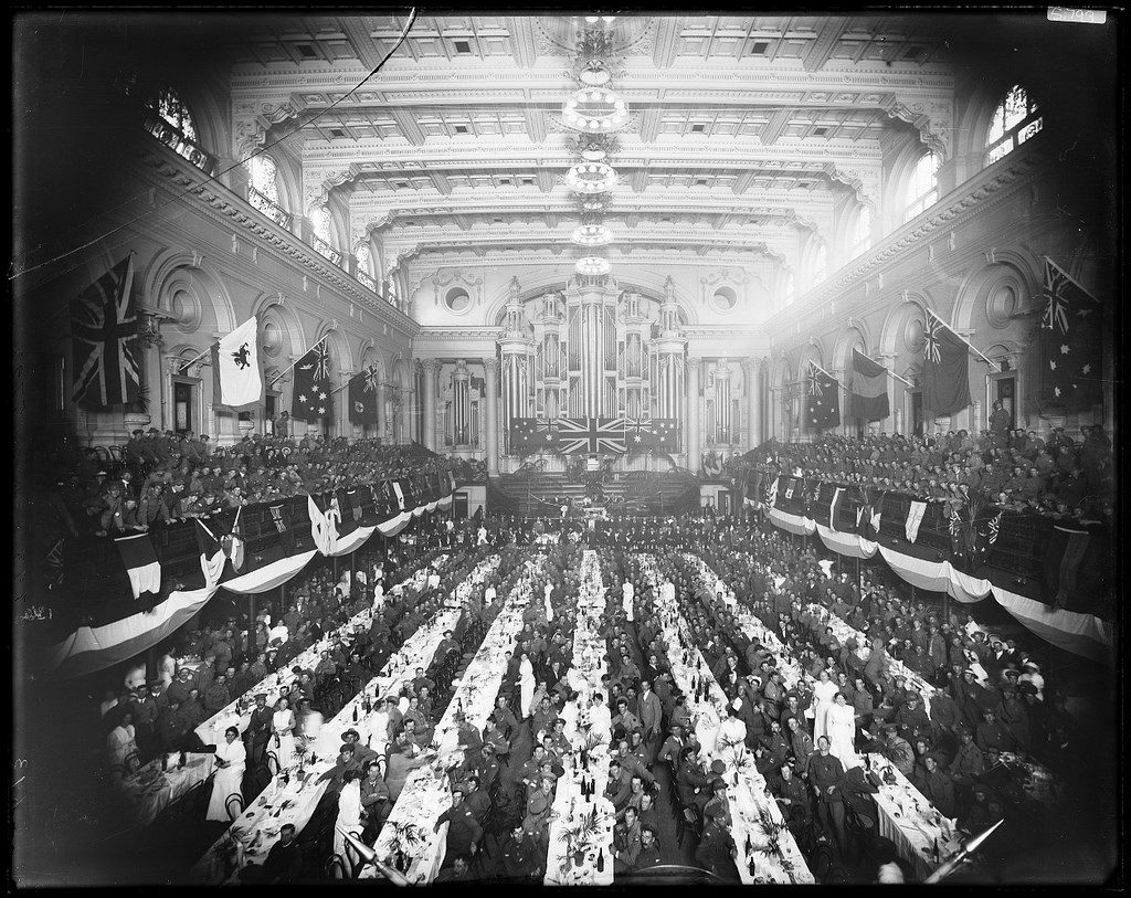 ANZAC Day 1916 dinner for returned soldiers